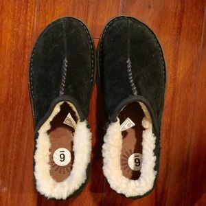 Nwot Women's UGG clogs